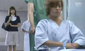 This was shown in the teaser from the last episode, which now all makes sense to me as Natsuki sees Naoki into surgery. Obviously, Riko's not around since the stupid boy didn't tell his own girlfriend he would be undergoing surgery since she was actually doing the audition for the concert spot on the same day as his surgery. Must have thought it would affect her (which I think it would have)...it IS kind of sweet, but dumb.